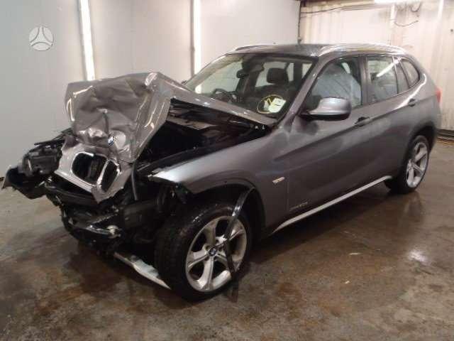 BMW X1 dalimis. Bmw e84 x1 2.0d 2010' dalimis.   taip pat
