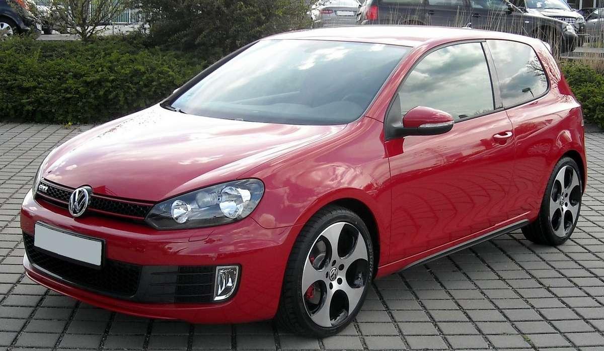 Volkswagen Golf. Naujų originalių automobilių detalių užsakymai