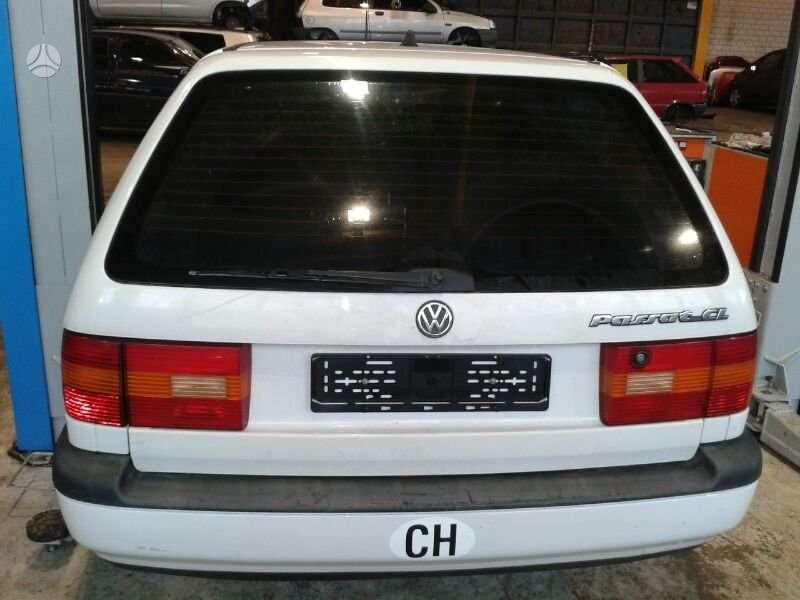 Volkswagen Passat dalimis. (( 1.8 mono 2.0l 2.3l 2.6l 2.8l ir