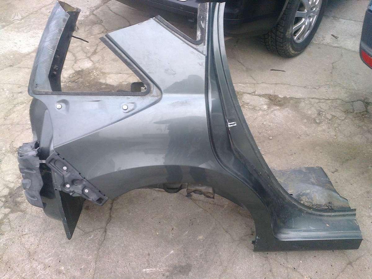 Peugeot 207 sparnai