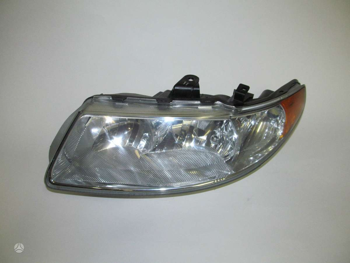 Saab 9-2X. saab 9-7x 97x oem left halogen headlight 2005-2009