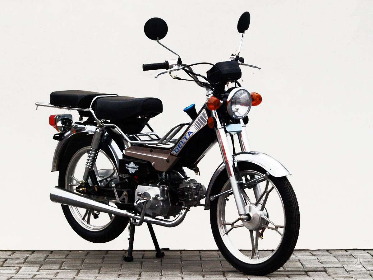 Delta -kita-, motoroleriai / mopedai