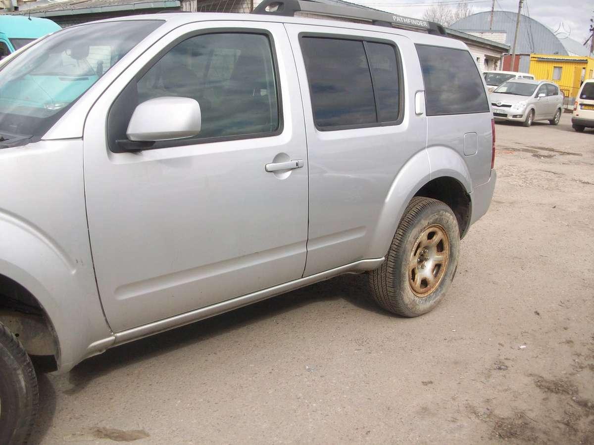 Nissan Pathfinder. Europa