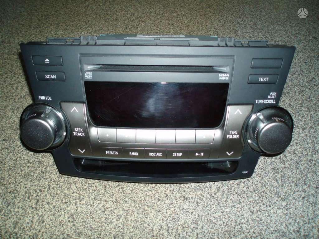 Toyota Highlander. Audio centras