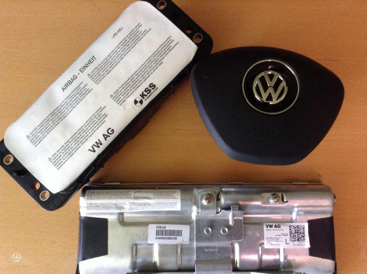 Volkswagen Golf oro pagalvės