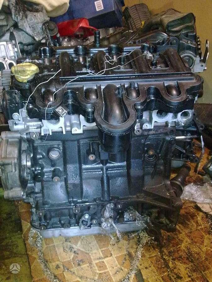 Renault Trafic. ,,   varikliai   dalimis   2,5dci   2,0dci  1,