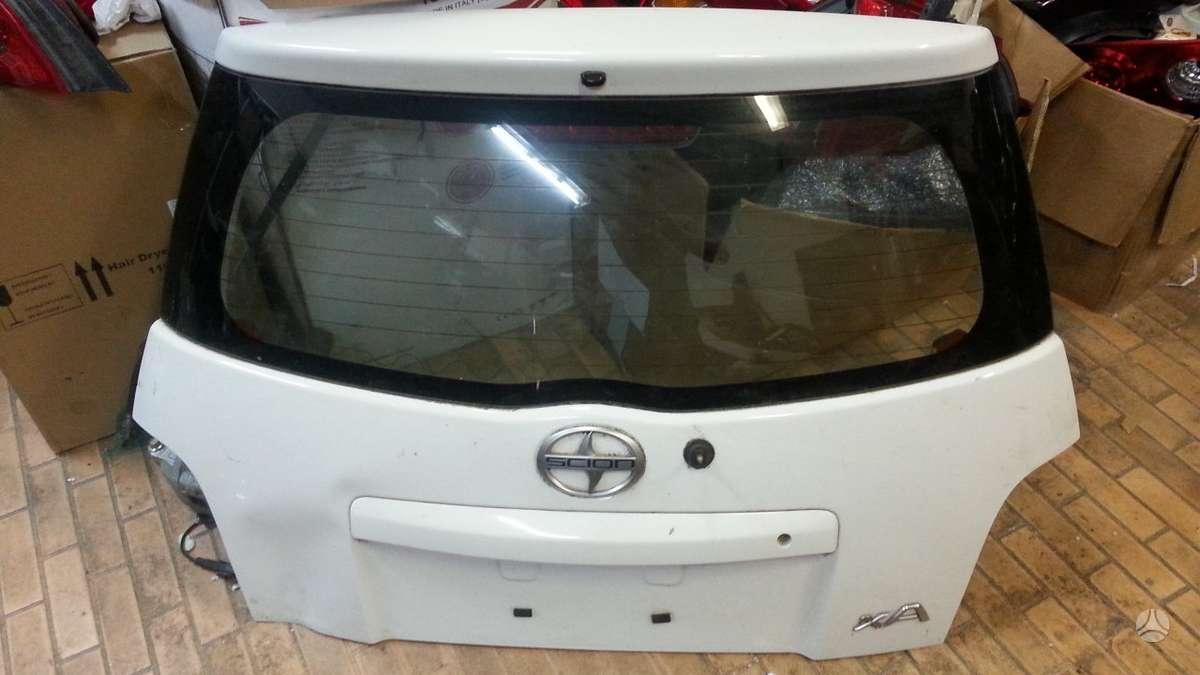 Scion XA. Scion xa left door trim molding 2004-2006  67488-52051