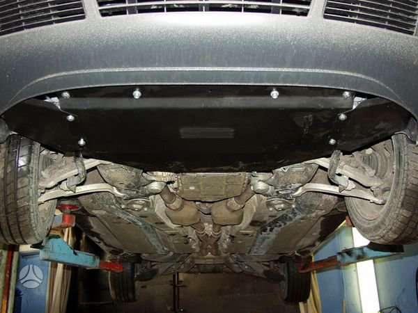 Volkswagen Passat. Karterio apsauga.  taip pat tinka audi a4