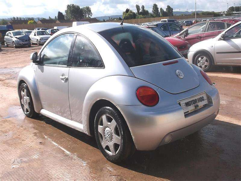 Volkswagen Beetle dalimis. Volsvagen beetle 00m. 2,0l is
