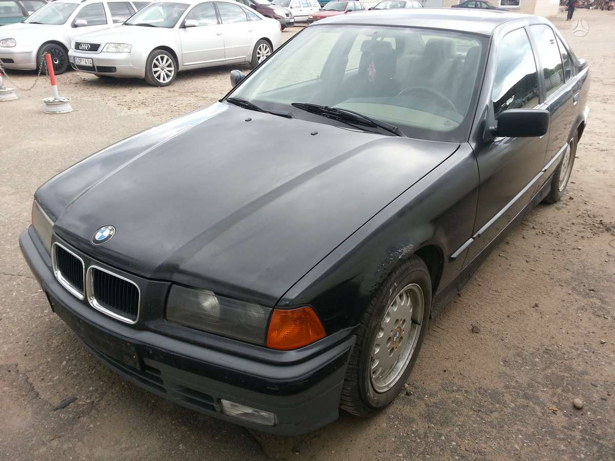 BMW 320 dalimis. Prekyba originaliomis naudotomis detalėmis.