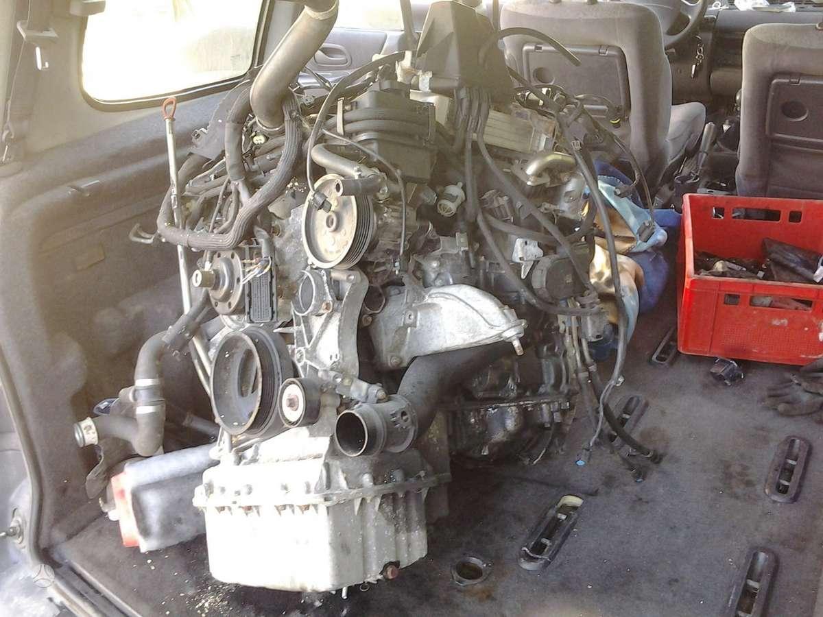 Mercedes-Benz E220 dalimis. Biturbo,pilnas variklis ir viskas