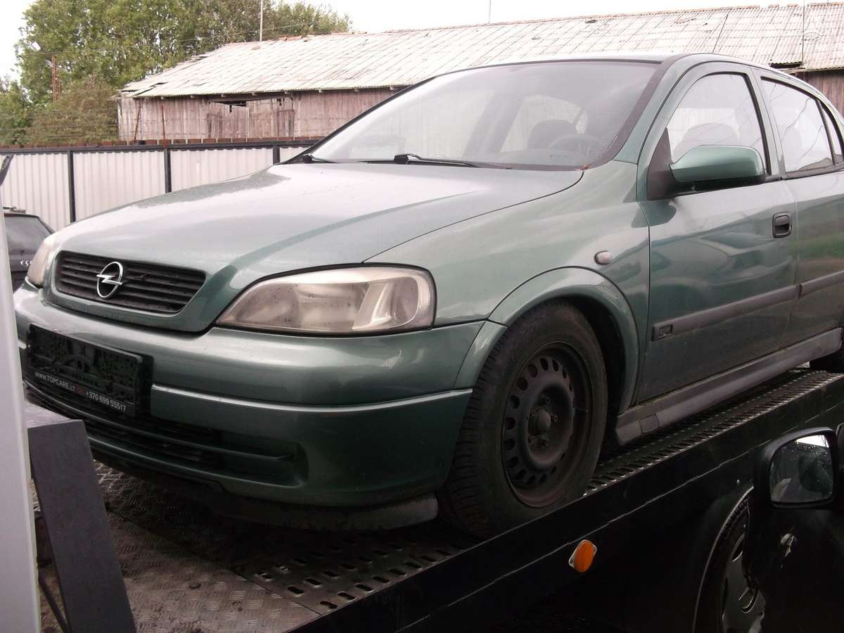 Opel Astra dalimis. Opel astra 00m.1.8,,dalimis,,kainos