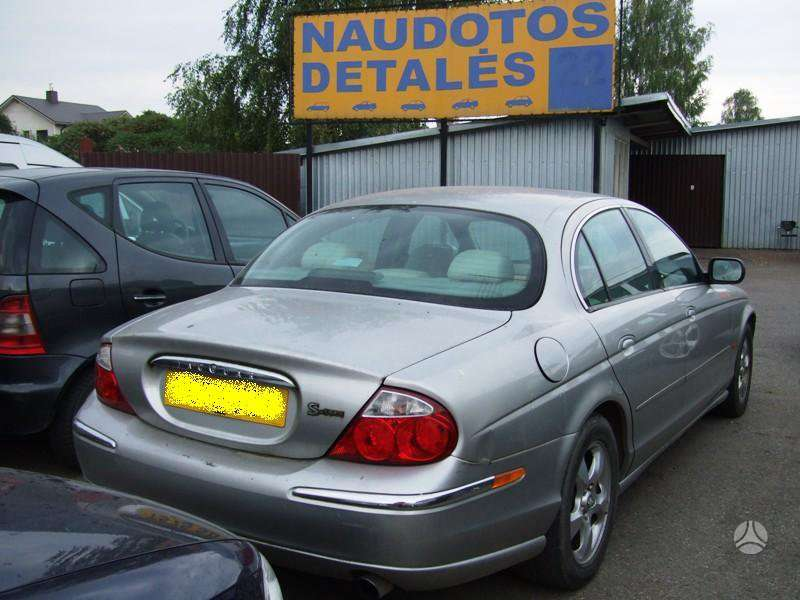 Jaguar S-Type. Uab