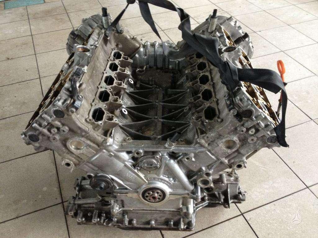 Audi S8. Audi s8 variklis dalimis !!!