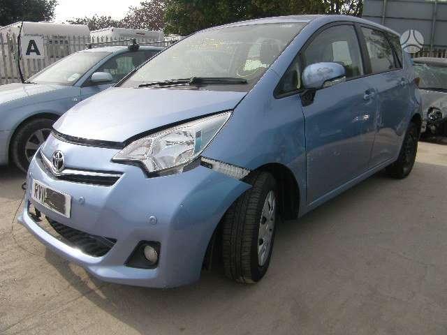 Toyota Verso-S dalimis. Is anglijos, srs, abs, ,.....maza rida!!!