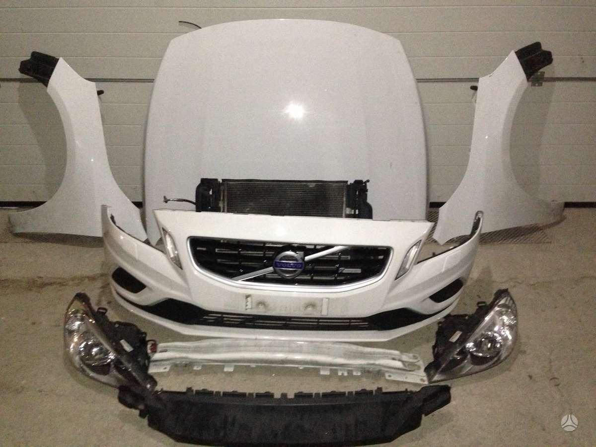 Volvo S60. R design. yra ir kitu daliu.