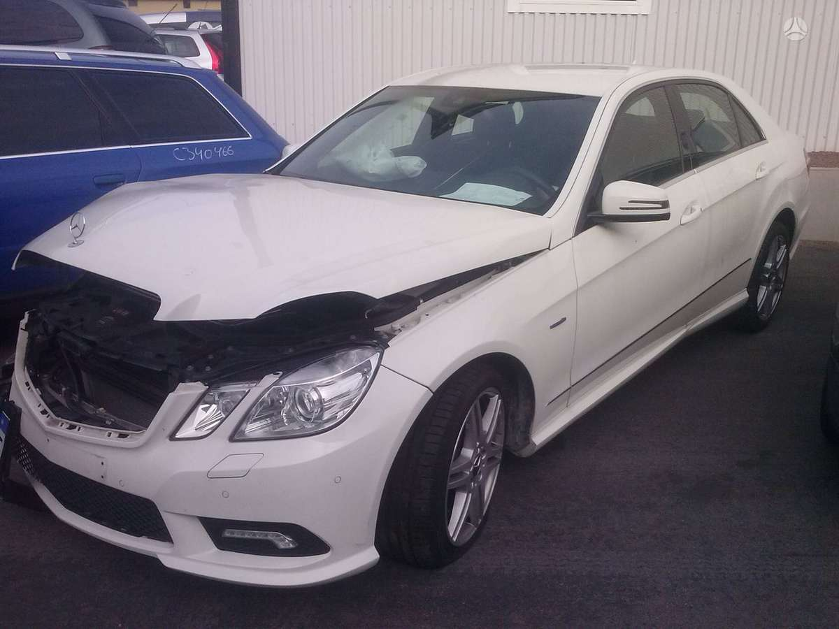 Mercedes-Benz E250 dalimis. Automomobilio rida 18.000 km !!!