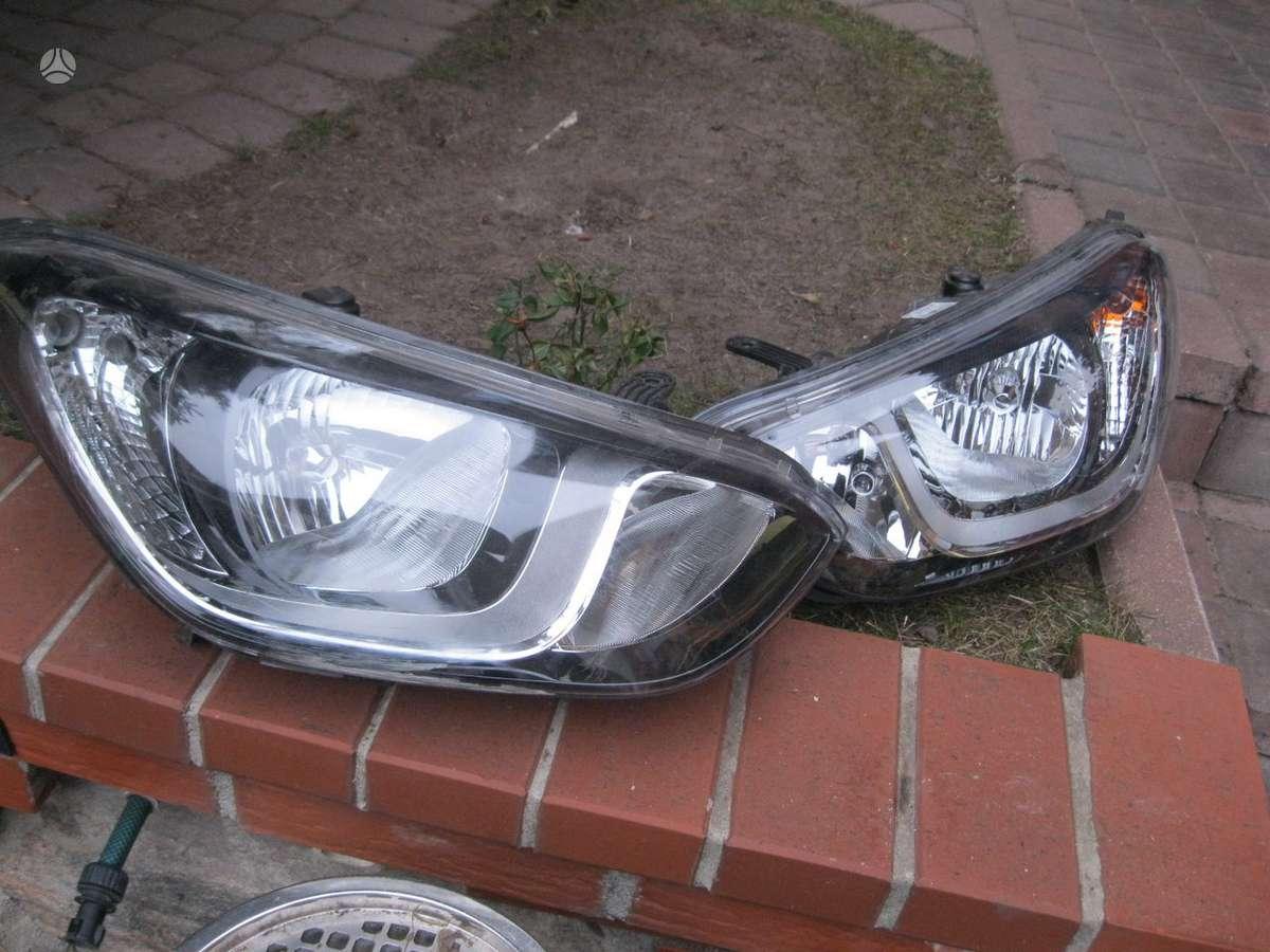 Hyundai i20. ----zibintas  desine.