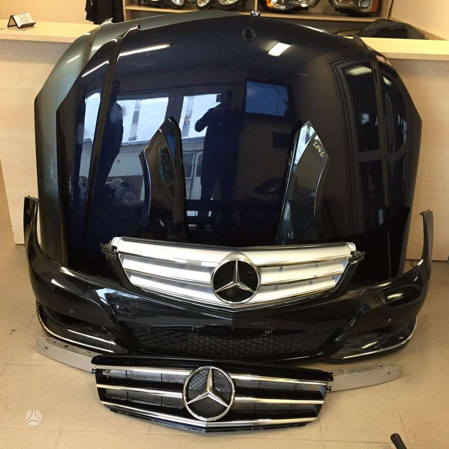 Mercedes-Benz C klasė. Atvežame dalis į jums patogią vietą kaune.