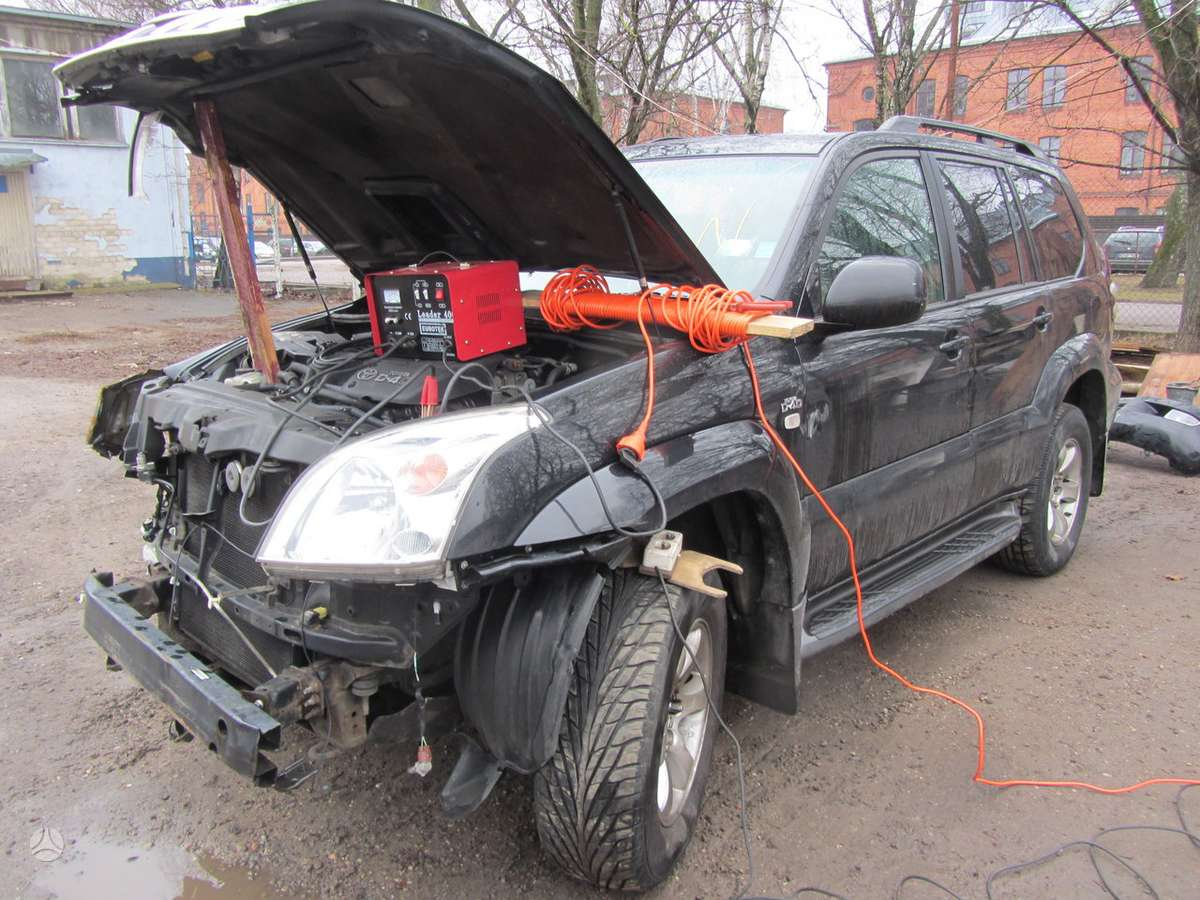 Toyota Land Cruiser dalimis. Prekyba auto dalimis naudotomis