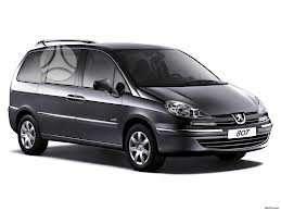 Peugeot 807. Turiu 2.2hdi, 2.0hdi 16v 79kw , bei 2.2i benzinini