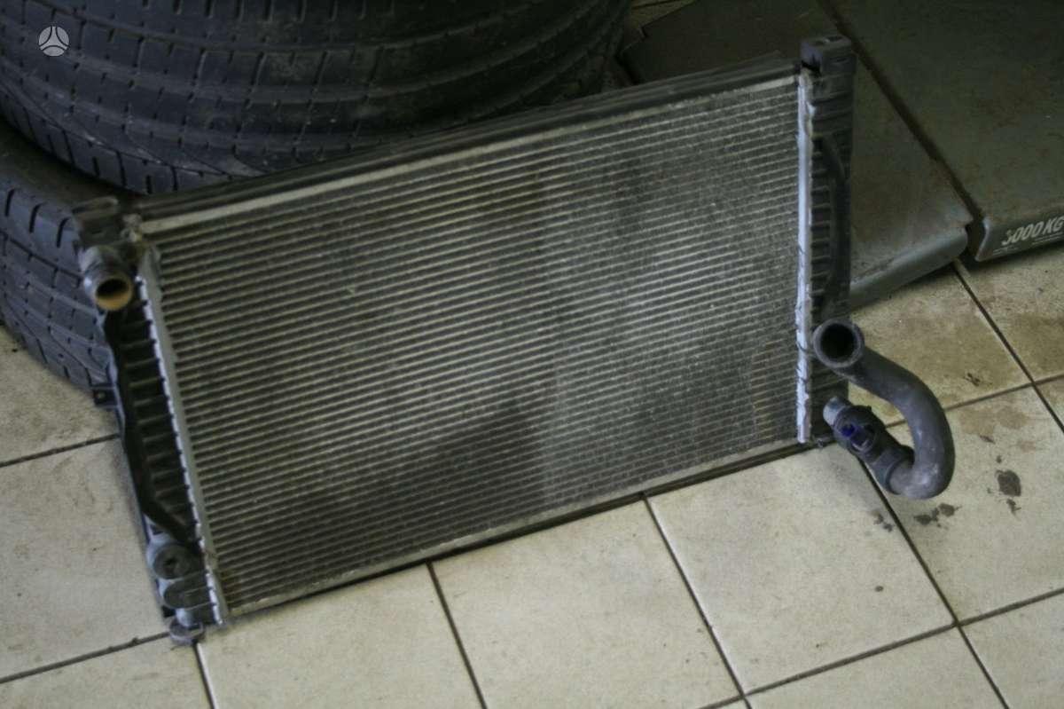 Volkswagen Passat radiatorius