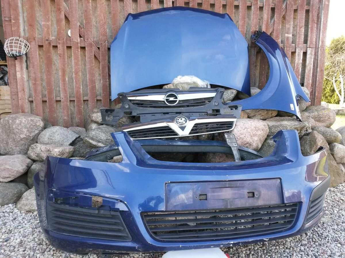Opel Zafira. Pr. buferis, groteles, sparnai, žibintai paprasti