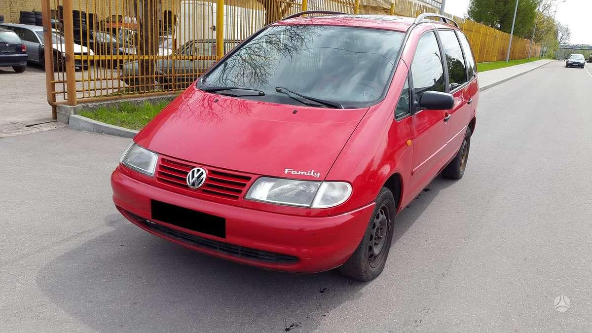 Volkswagen Sharan dalimis. Turime ir daugiau įvairių markių