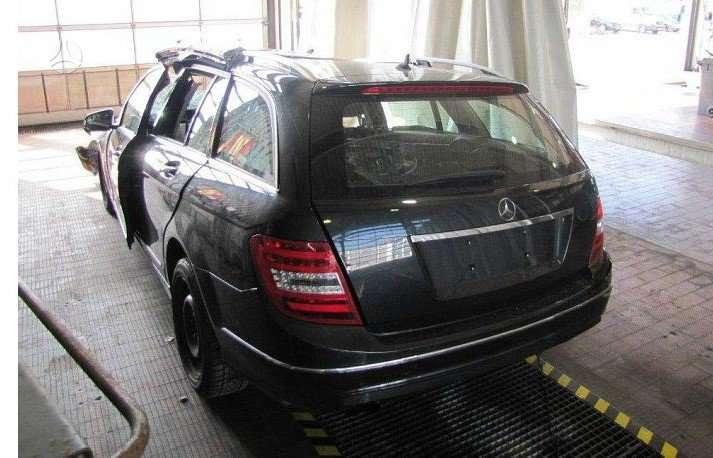 Mercedes-Benz C180. Rida 53000 km,mot kod 271820