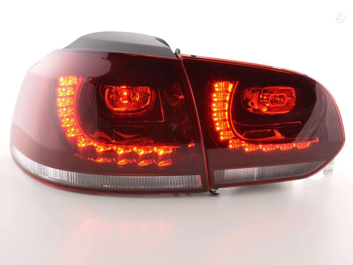 Volkswagen Golf. Galiniai zibintai su led- r-line -gti- sie