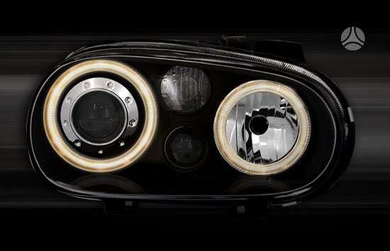 Volkswagen Golf. Tuning dalys.r32 priekiniai zibintai su lesiu
