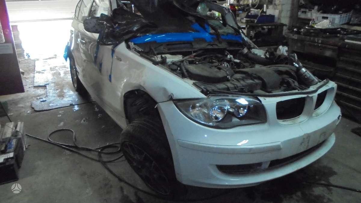 BMW 118 dalimis