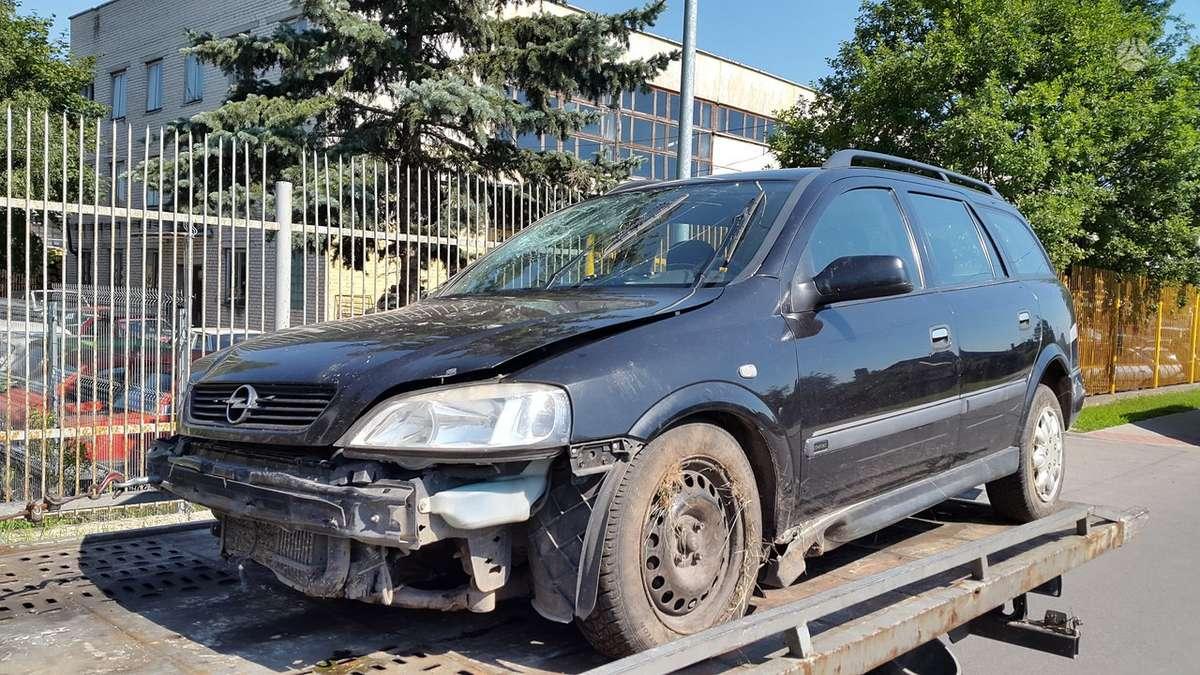 Opel Astra dalimis. Variklis parduotas, agregatai yra. rida