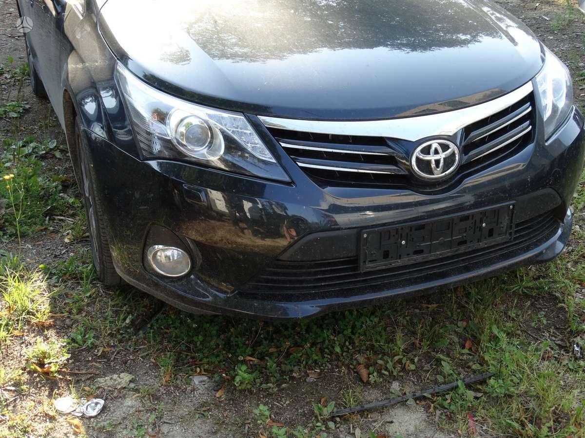 Toyota Avensis dalimis. Xenon zibintai 500eu  verstos odos