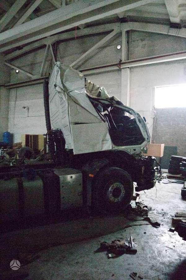 Volvo FH 4x2 Globet' balta D13A 324, vilkikai
