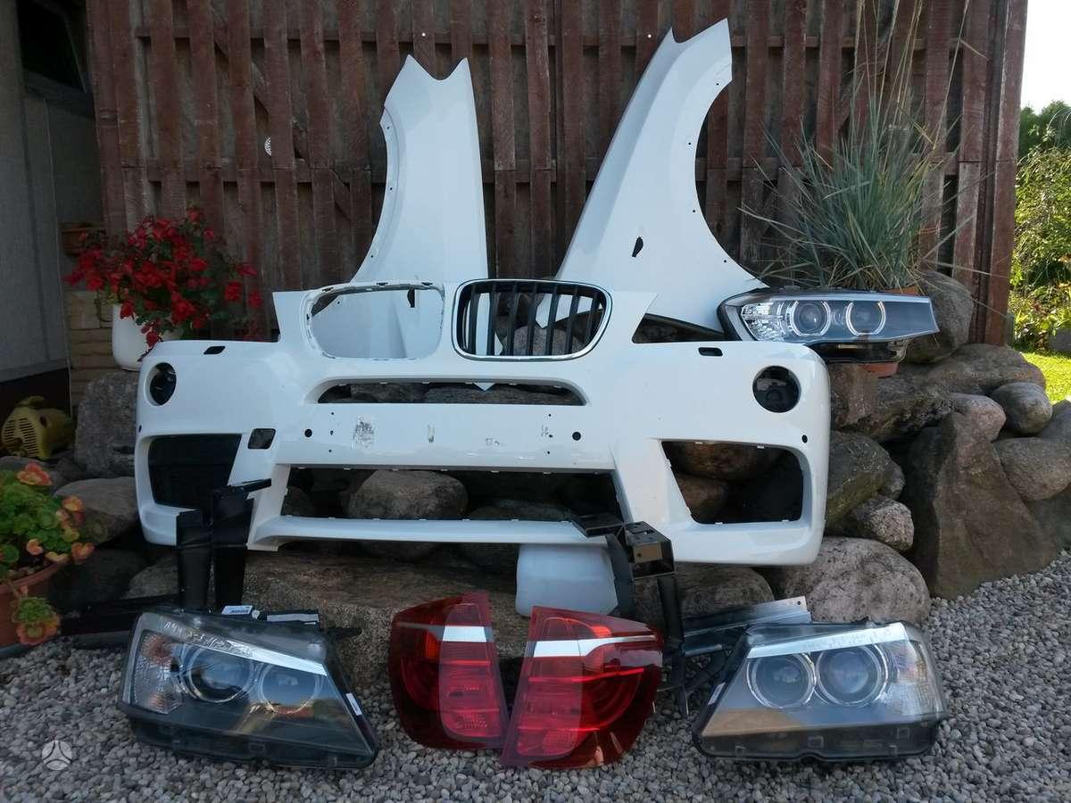 BMW X3. Pr.gal.buferiai,pr.kapotas [rudas ir baltas], slenkščiai,
