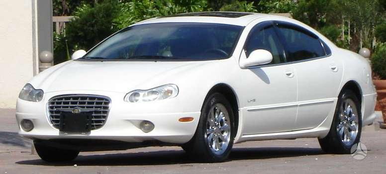 Chrysler Concorde dalimis. Visas priekis, variklis, greiciu