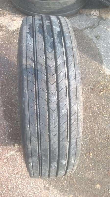 Bridgestone R227, kita 215/75 R17,5