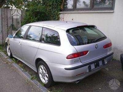 Alfa Romeo 156. Automobilis is vokietijos.sedanas ir universalas