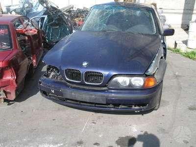 BMW 5 serija. Yra2000l  2500l benzininiai ir3000l dyzelinis