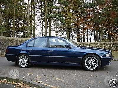 BMW 730. Prekiaujame dalimis, perkame auto ardymui