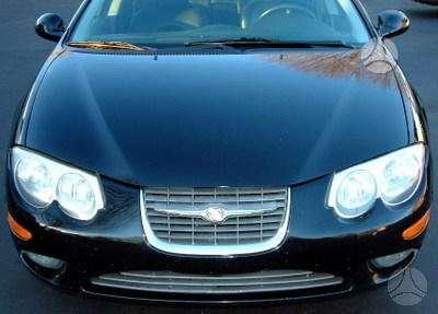 Chrysler 300M. Perku automobili po avarijos ar su gedimais.  .