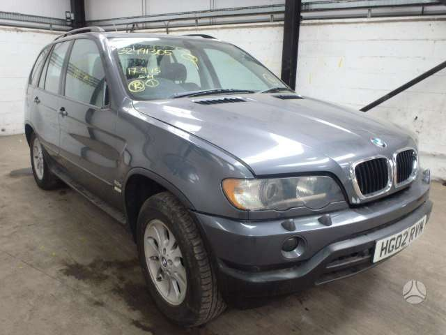 BMW X5. Recaro salonas su tv playstation pagalvelese,