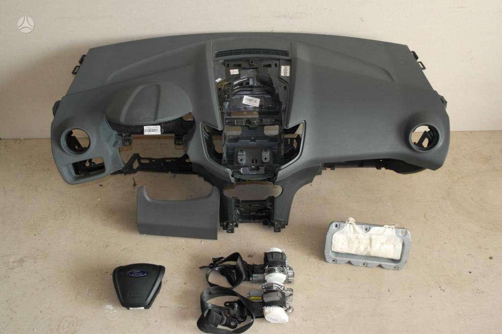 Ford Fiesta panelė, oro pagalvės, saugos diržai