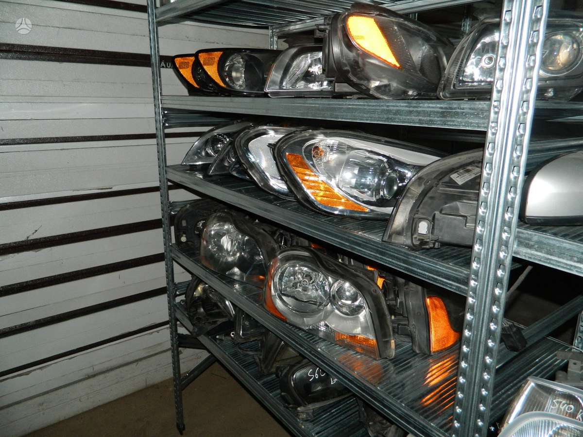 Volvo XC60 žibintai