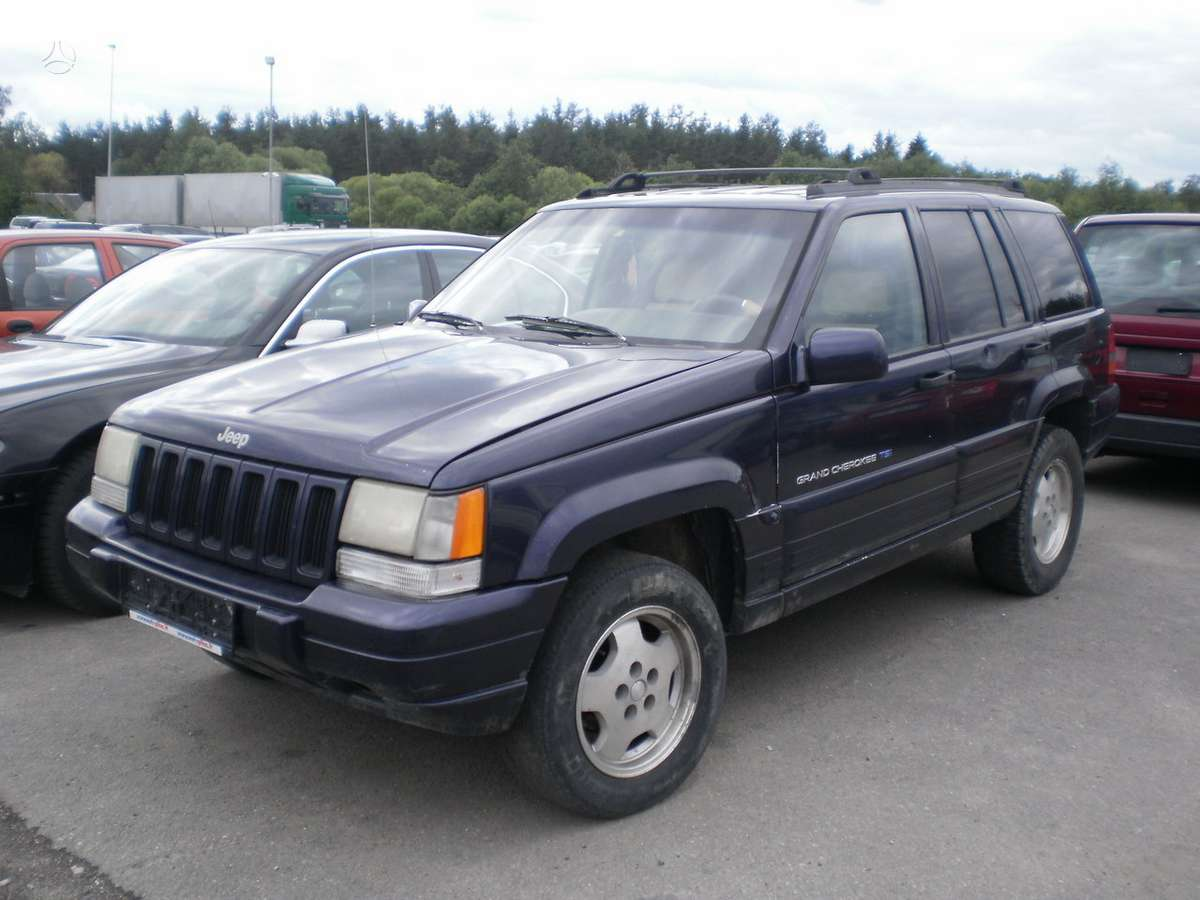 Jeep Grand Cherokee. Superkame defektuotus automobilius