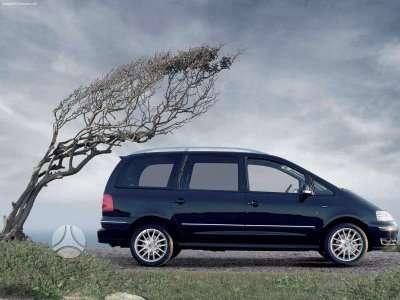 Volkswagen Sharan.    yra ir 66kw