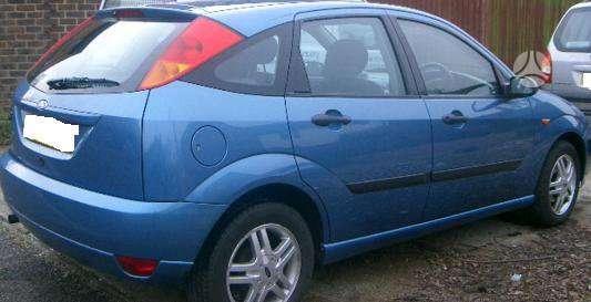 Ford Focus dalimis. Pigios kėbulo dalys, žibintai, radiatoriai.