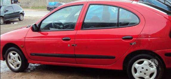Renault Megane dalimis. Kėbulo dalys, žibintai, radiatoriai.