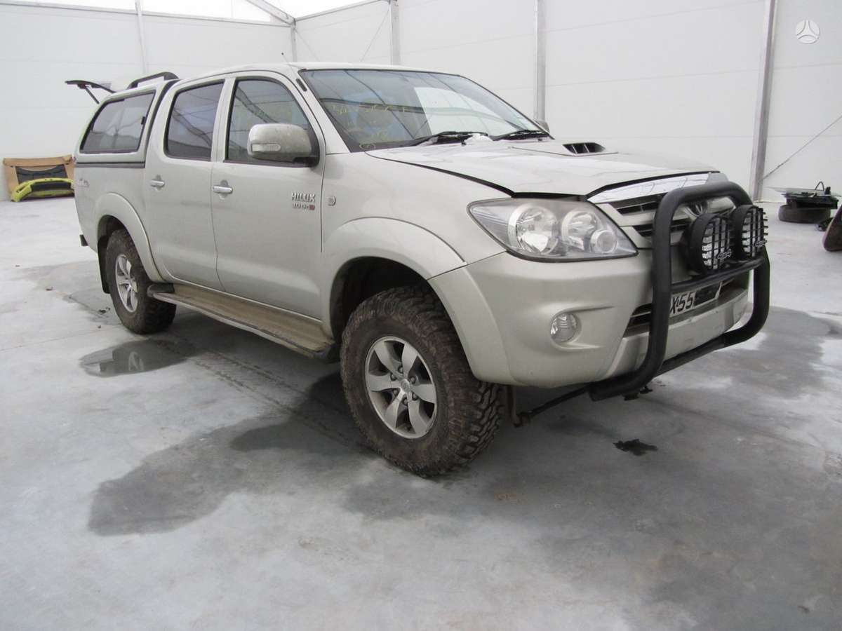 Toyota Hilux dalimis. Prekyba auto dalimis naudotomis europietiš